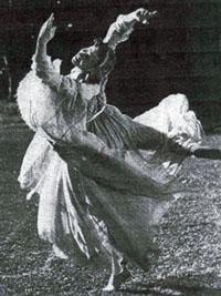 Hanny dancing
